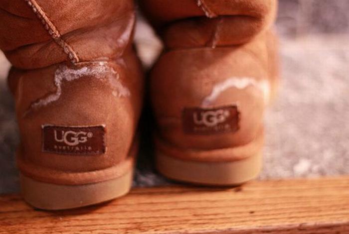 Соляные пятна на обуви.