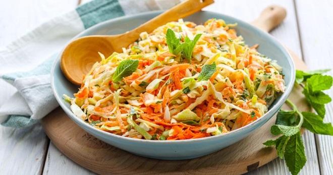 Салат из капусты - самые вкусные рецепты витаминной закуски