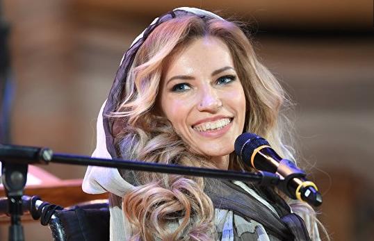 """Самойлова представила песню, с которой выступит на """"Евровидении"""""""