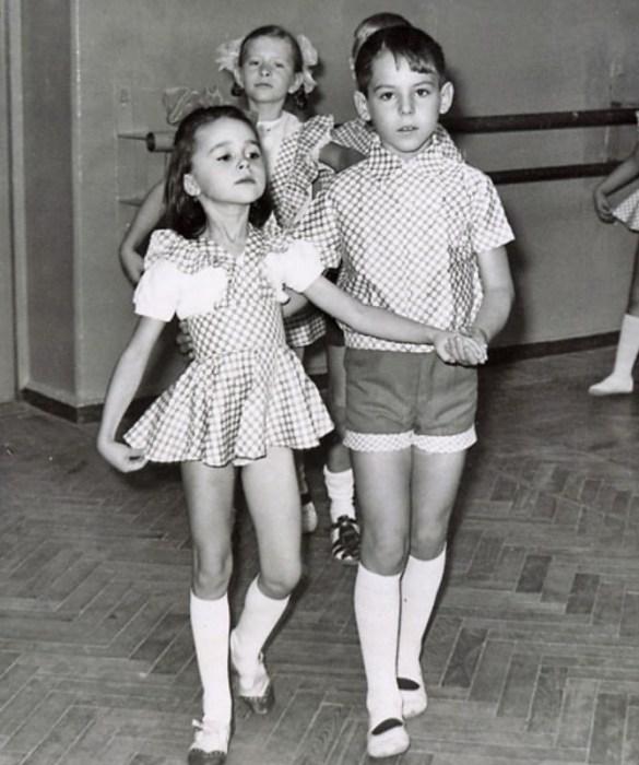 Анастасия Заворотнюк в детстве. / Фото: www.telesem.ru
