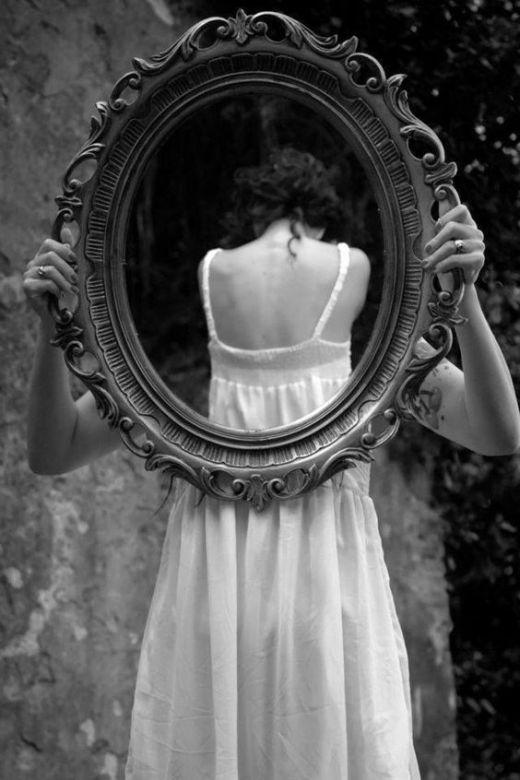 «Прекратите смотреть на себя глазами мужчин»