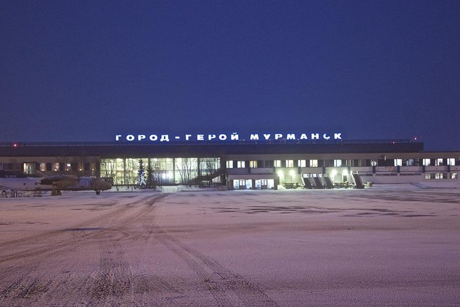 Николай II обходит Папанина в борьбе за имя аэропорта