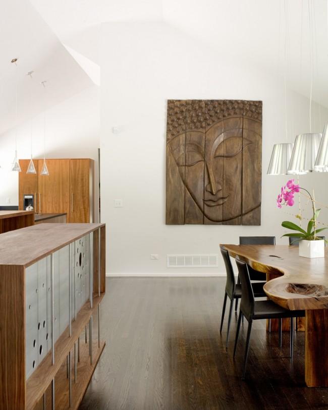 Резные деревянные картины, некогда очень популярные в домах наших бабушек и дедушек, сейчас снова в моде