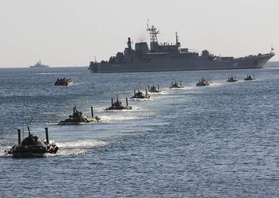 Атаковать с моря. Как вернуть ВМФ десантные возможности