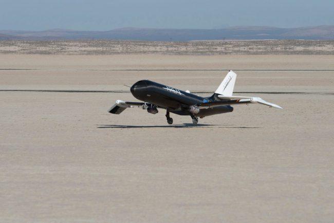 NASA и Boeing работают над созданием самолёта со складным крылом
