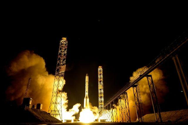 На «Байконуре» прошел запуск ракеты-носителя «Протон-М» с военным спутником