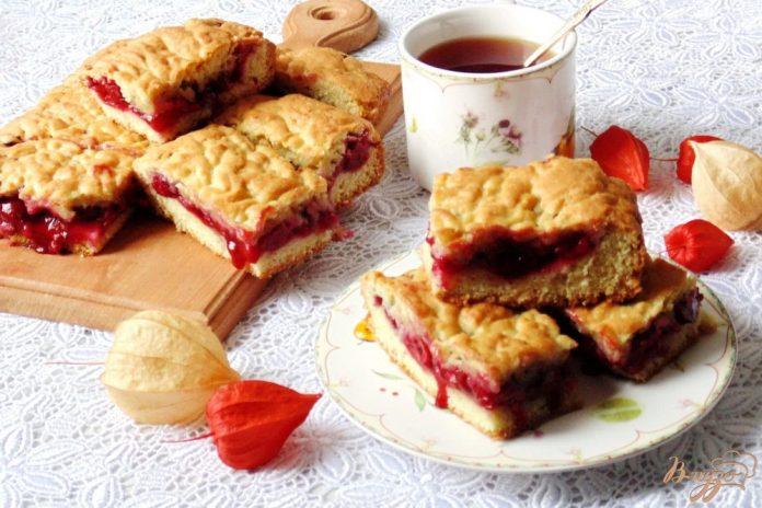 Песочный пирог с вишней: безумно красивый и вкусный