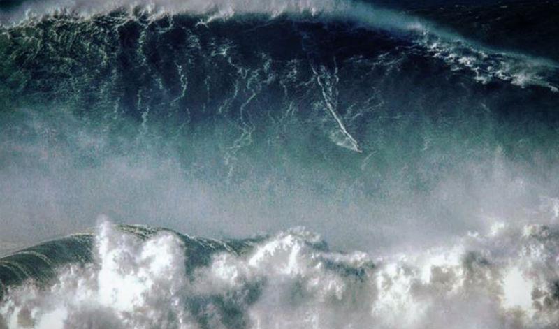 «Лучший день моей жизни»: бразильский серфер побил мировой рекорд, покорив волну высотой 25 метров