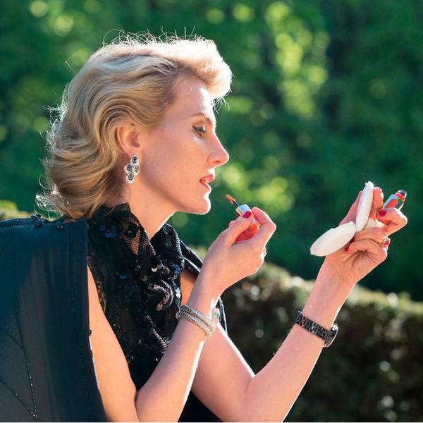 Леопардовый наряд, желтые очки, бриллианты: Рената Литвинова появилась на обложке Vogue
