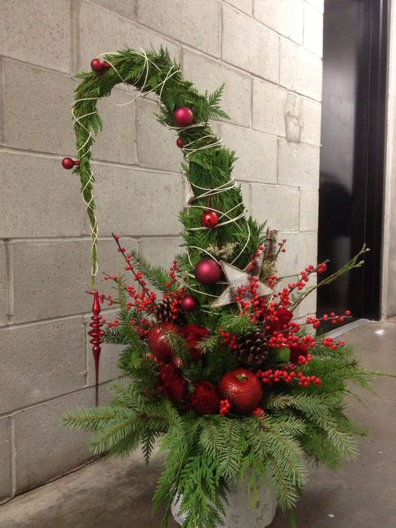 Large Grinch Tree by blumen floral boutique