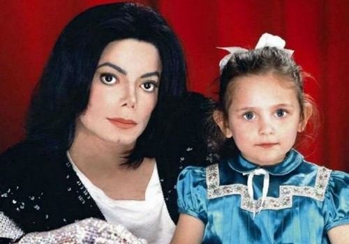 Как сложилась жизнь дочки Майкла Джексона — красавицы Пэрис Джексон