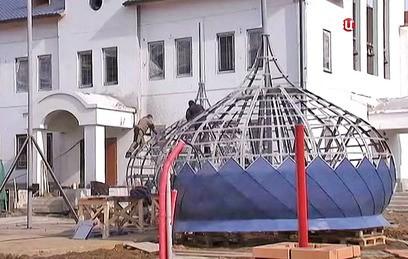 Ресин проинспектировал ход строительства храма в Южном Бутове