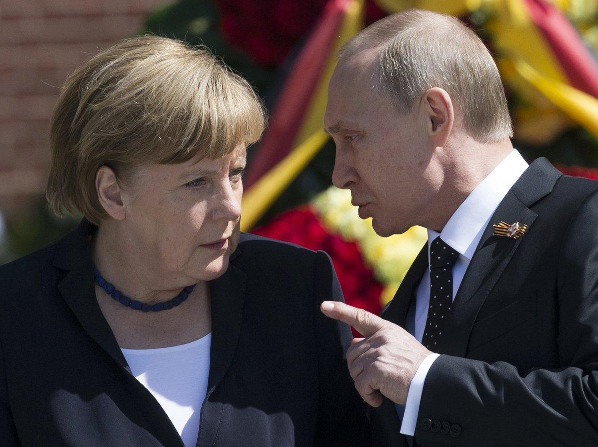 Почему Меркель срочно отправилась к Путину