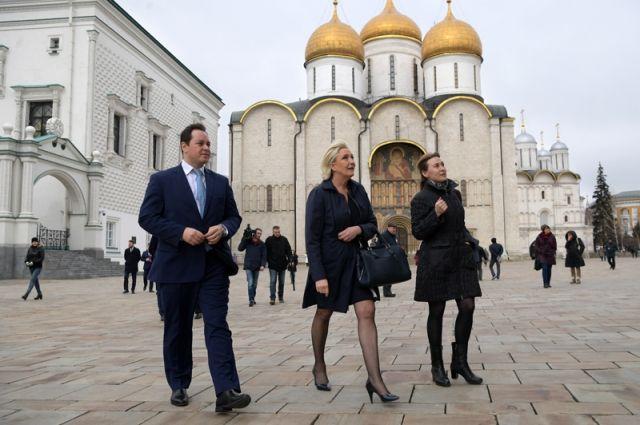 Марин Ле Пен пожелала Владимиру Путину победы на выборах президента РФ