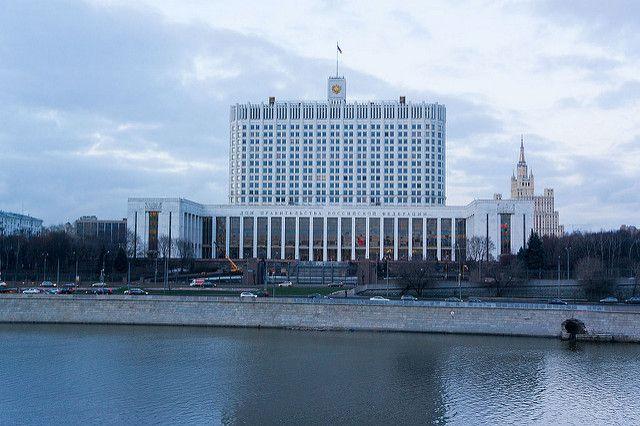 Правительство создаст структуру для помощи попавшим под санкции компаниям