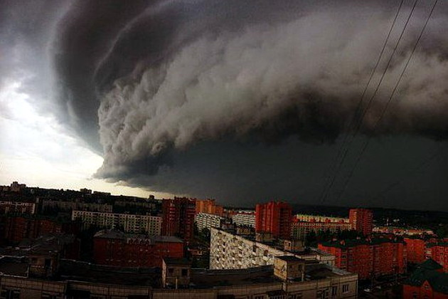 Во время урагана в Москве погибла девочка