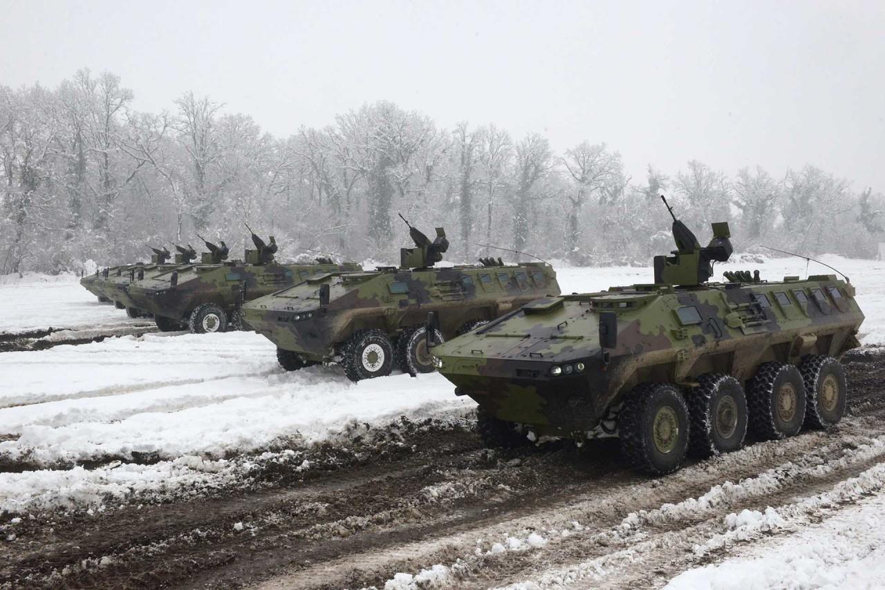Сербская армия получила первые бронетранспортеры Lazar 3