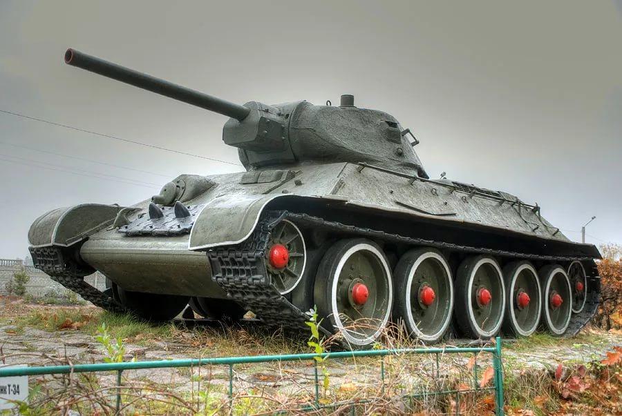 Победив нацистов, российский Т-34 теперь бьет рекорды в кино