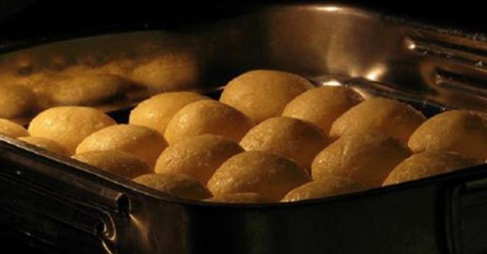 Очень простой рецепт воздушного сырного хлеба. Покупать в магазине больше нет смысла! Тает во рту.