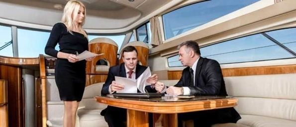 Особенности организации переговоров с партнерами на яхте