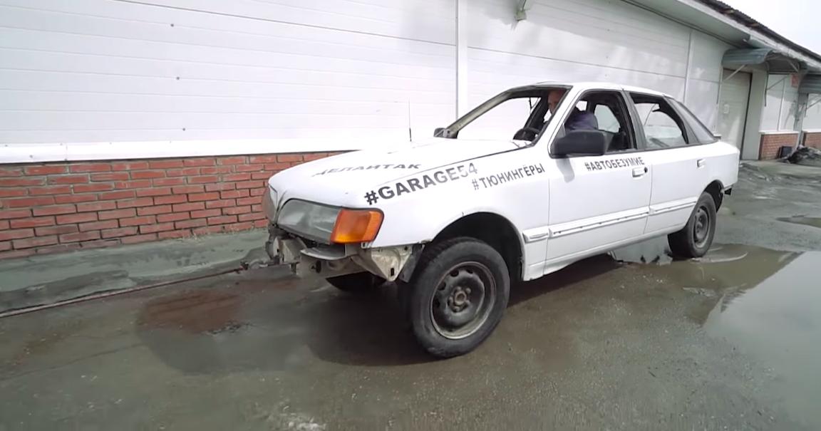 В России сделали самый узкий в мире автомобиль