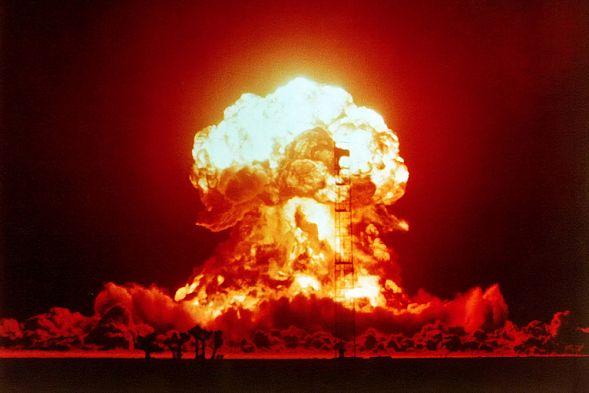 Что делать при ядерном ударе? Инструкция МЧС понятным языком