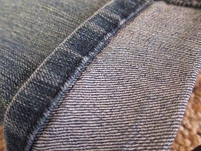 Подшиваем джинсы с сохранением фабричного шва 3