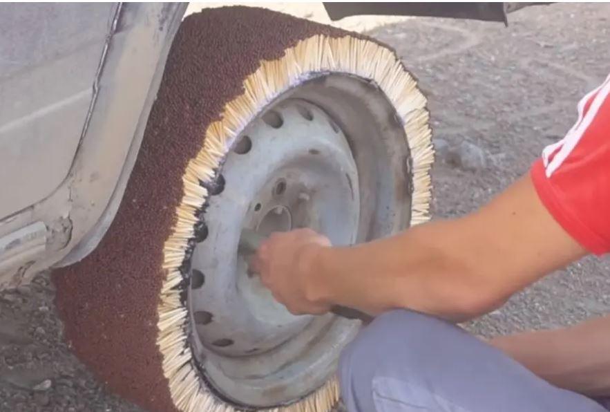 На «Семерку» поставили колесо из 21000 спичек, подожгли его, а потом прокатились