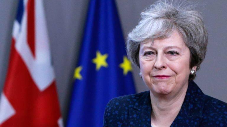Мэй теряет контроль: она просит перенести Brexit на 30 июня