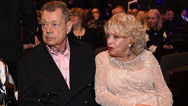 Добить мужа решила: В МВД отказались комментировать сообщения СМИ об опьянении жены Караченцова