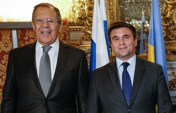 Главы МИД РФ и Украины обсудили обмен пленными в Донбассе