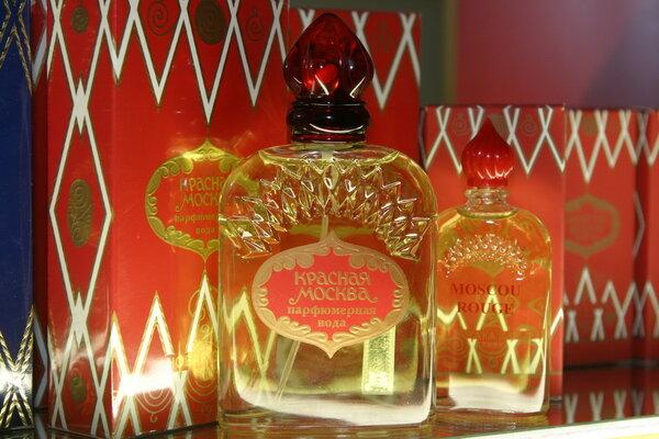 Как букет императрицы превратился в любимые духи советских женщин «Красная Москва»