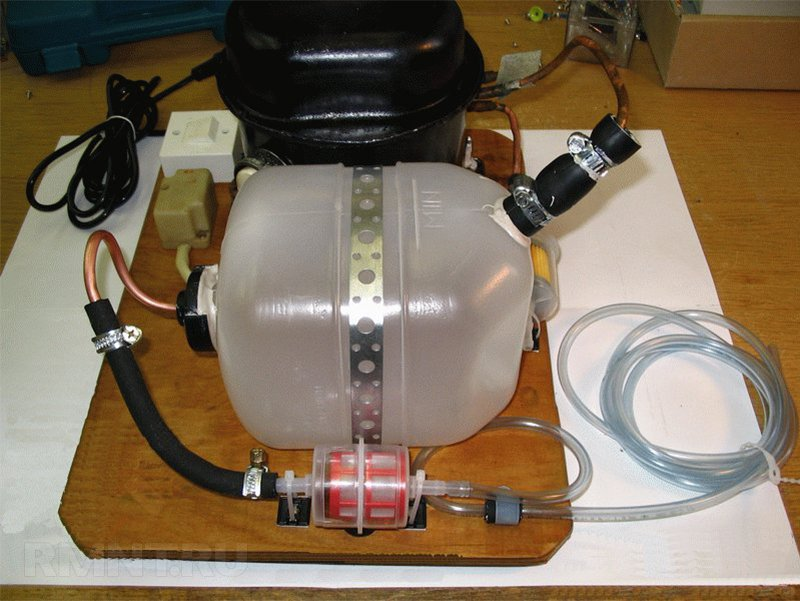Компрессор с ресивером из расширительного бачка ВАЗ