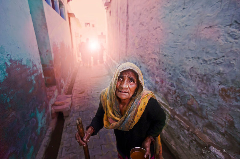 Одинокая старуха - Варанаси, Индия индия, красота, талант, творчество, фото, фотограф, фотография, художник