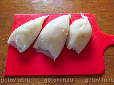 Фаршированные рисом и яйцом кальмары в духовке, Шаг 01
