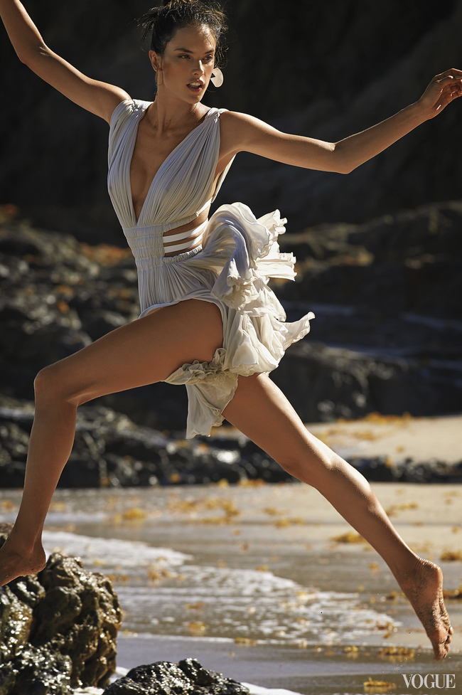 Сара Сампайо на серфе