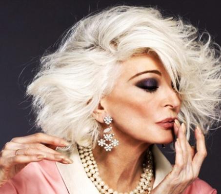 Желаю каждой женщине выглядеть в 85 так же, как она!