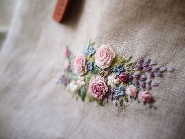 Нежная цветочная вышивка — идеи для вдохновения