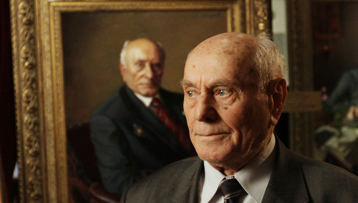 """Легенда разведки: """"майору Вихрю"""" Алексею Ботяну исполнилось 102 года."""