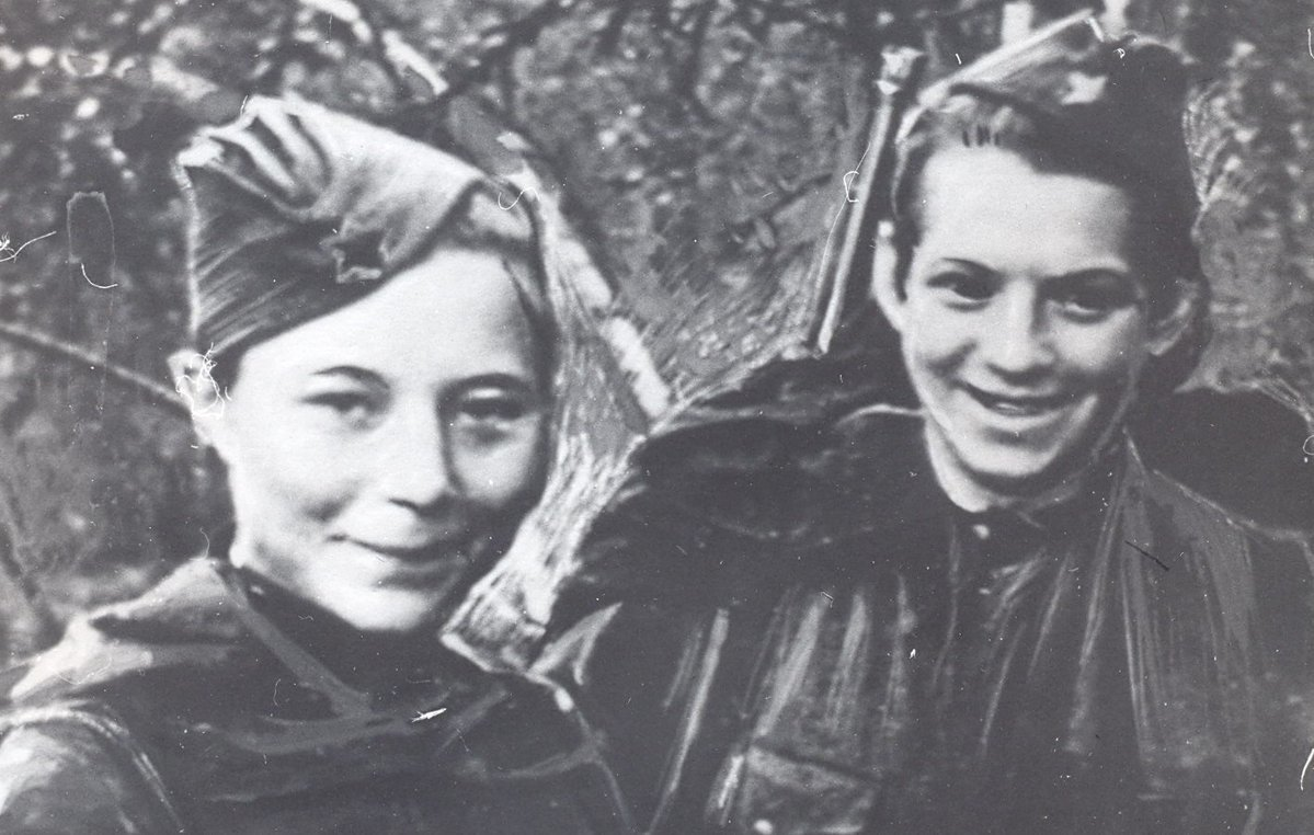 Бессмертный подвиг Героев Советского Союза Марии Поливановой и Натальи Ковшовой