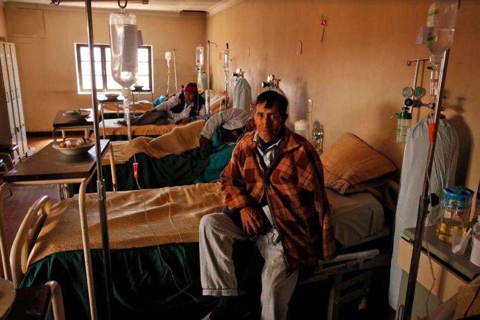 Пациенты с силикозом, получающие лечение в больнице Потоси.