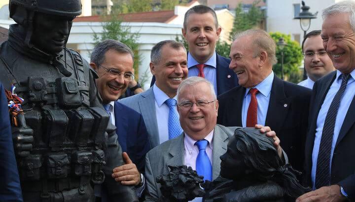 Киев будет в шоке: немцы и норвежцы едут в Донбасс.
