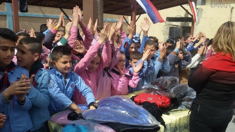Будущих чиновников Сирии дол…
