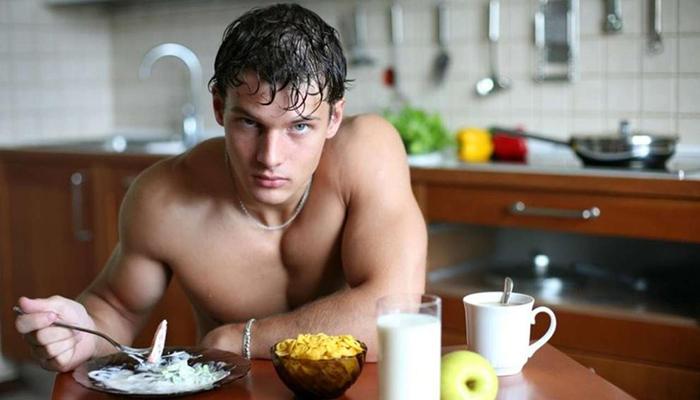 Ученые выяснили, кому следует воздерживаться от пищи по утрам, а кому лучше позавтракать