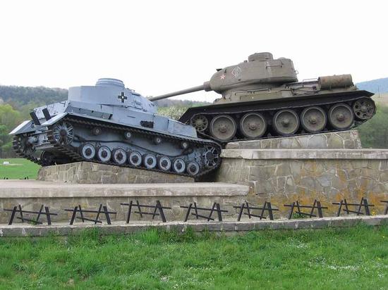 """""""Мама горела в танке, в экипаж ей определили пленного немца"""""""