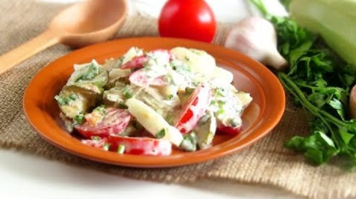 Самый сытный салат с жареными кабачками