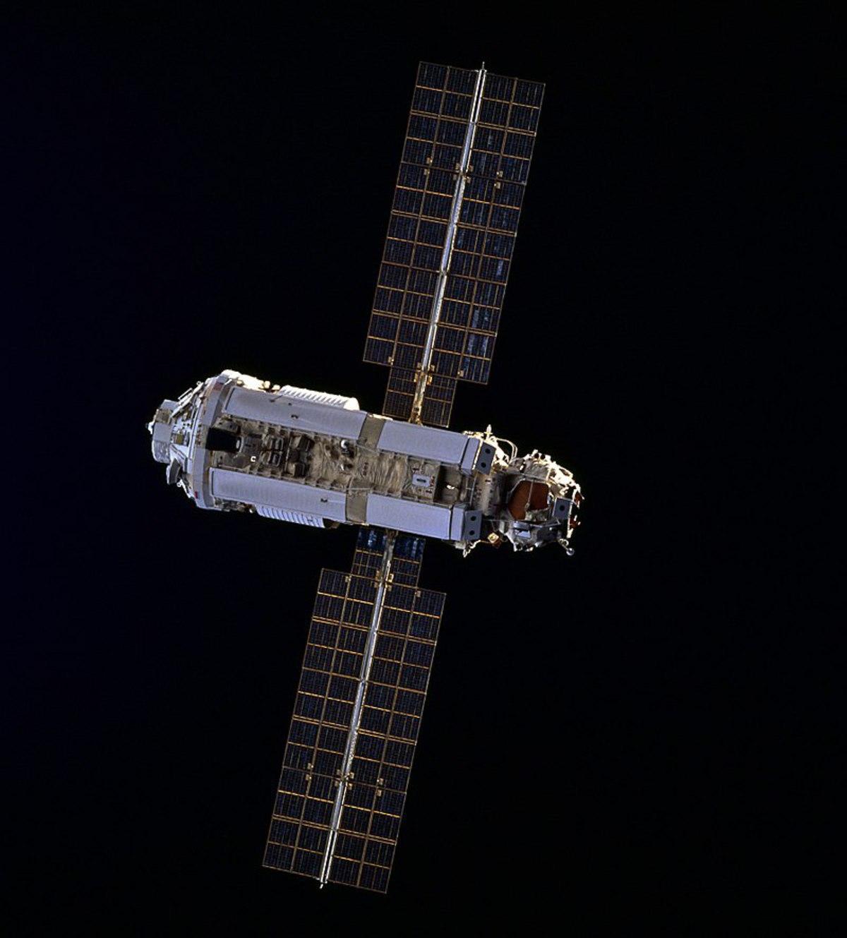 На МКС протестируют космическую жвачку