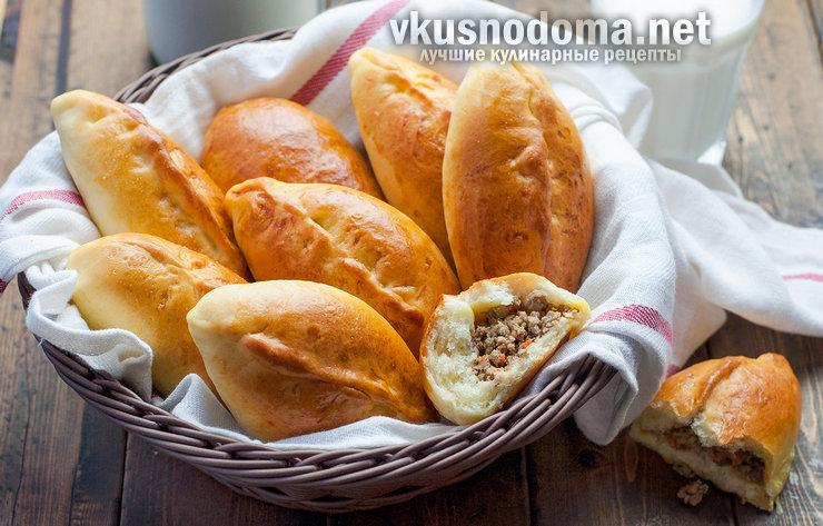 Пирожки домашние с капустой и с мясом