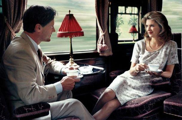 В ночном купе поезда едут мужчина и женщина. Ехать далеко. Познакомились, разговорились.… То, что он сделал потом — волшебно!