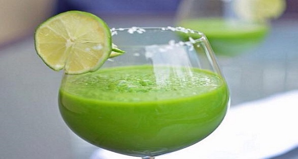 Сжигаем жир с живота быстрее, чем торнадо выпивая просто стакан этого напитка перед сном